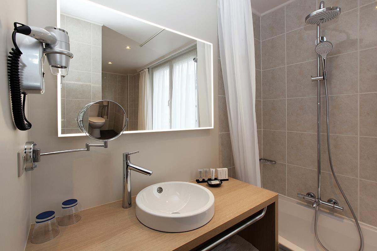 badkamer hotel ambassador de panne kust
